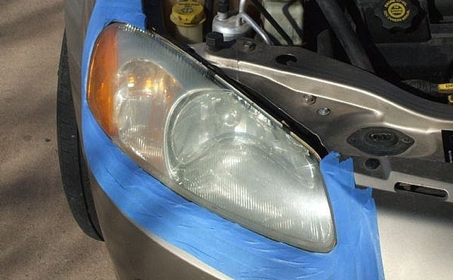 Mask around headlight lens