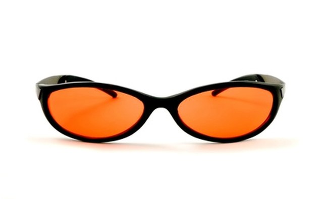 Amber lenses provide good contrast.