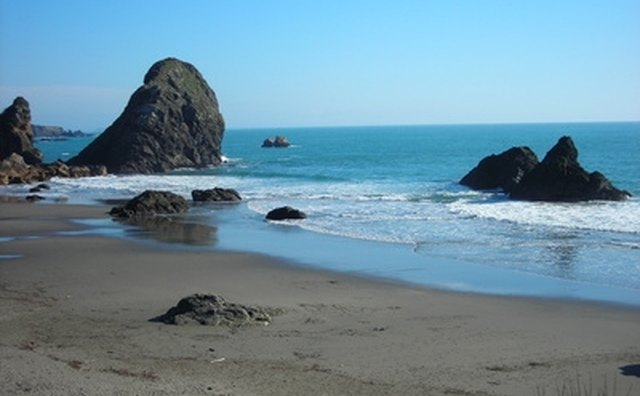 The Oregon coast is a romantic hot spot for couples.