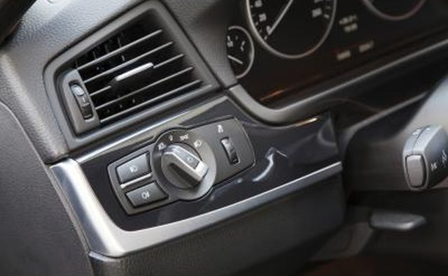 Even when the air conditioning is not on and the vehicle is moving, these smells are pushed through the vents and cause an unpleasant smell in the car.