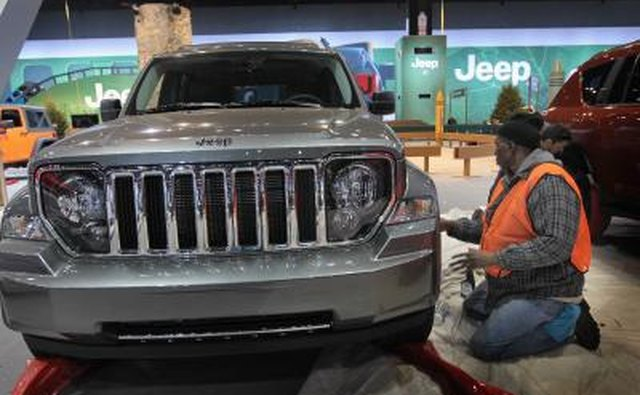 Light-duty, passenger-car oriented Jeeps use Chrysler axles.