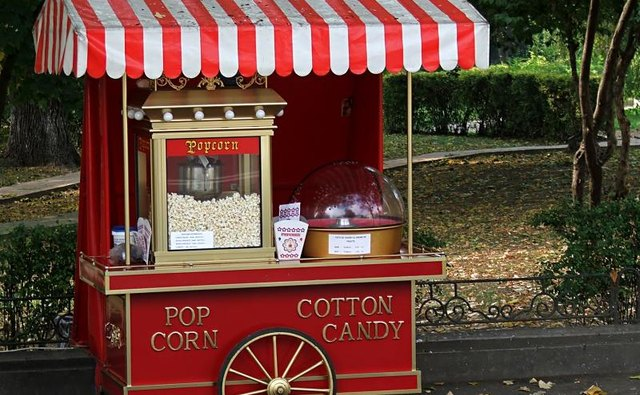Popcorn and cotton candy machine