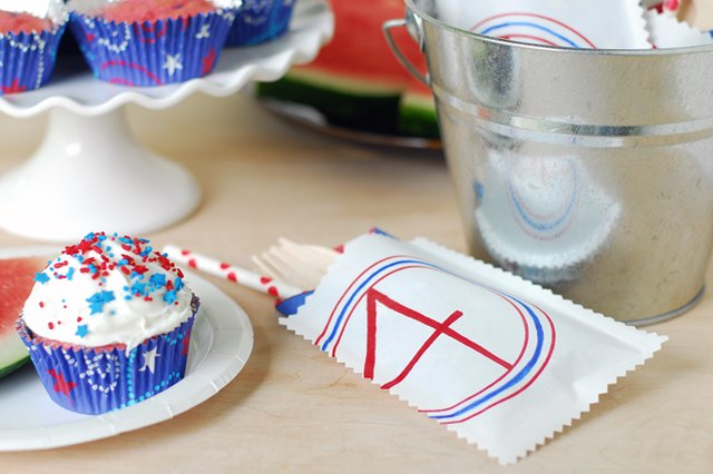 Easy Prep, Easy Clean Up: 4th of July Utensil Packets