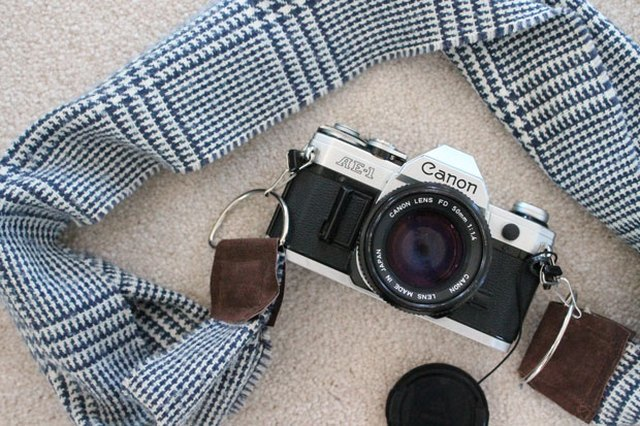 DIY Winter Scarf Camera Strap
