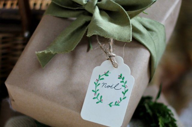 Easy Watercolor Christmas Tags and Printables