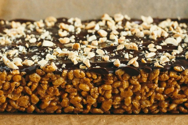 No-Bake Crispy Chocolate Peanut Butter Bars