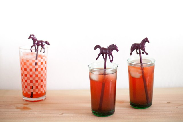 DIY Plastic Animal Drink Stirrers