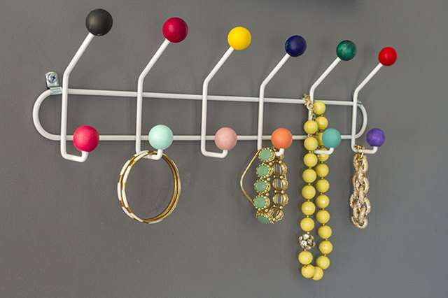 Make This Midcentury Style Colorful Hook Rack