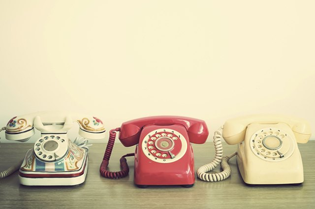 Pros and Cons of Ditching Your Landline Phone