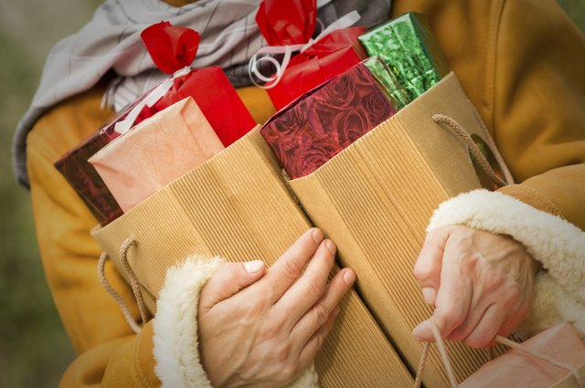 5 Ways to Find Extra Cash for the Holidays