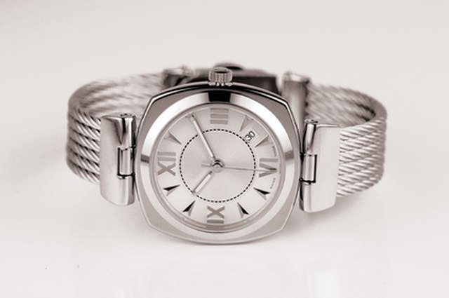 How to Change the Day of the Week on a Fossil Watch   LEAFtv