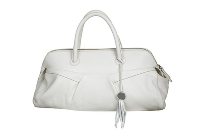Fabulous How To Clean A White Leather Purse Leaftv Machost Co Dining Chair Design Ideas Machostcouk