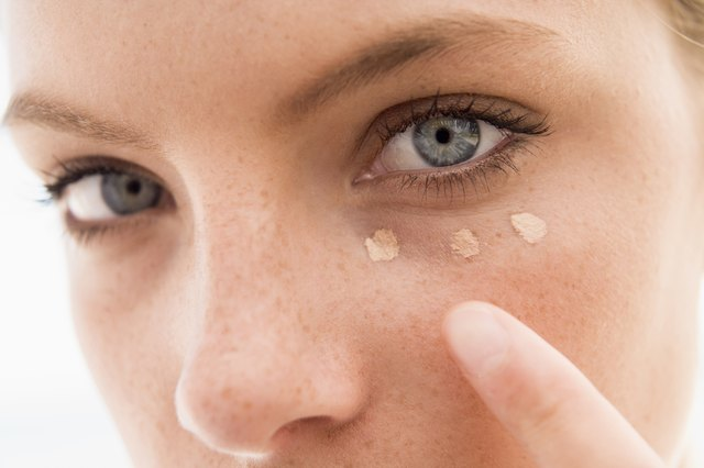 Tips On Makeup To Hide Scars Leaftv