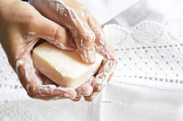 Castile Soap for Acne   LEAFtv