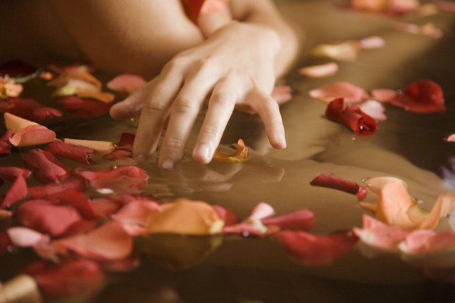 Image result for pour rose water in bathtub,nari