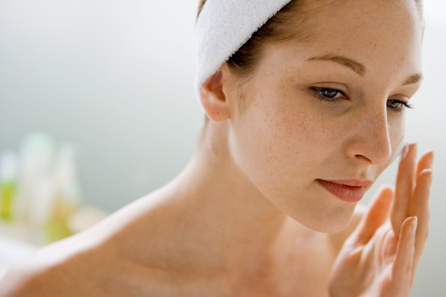 The Best Oil-Free Face Creams for Wrinkles | LEAFtv