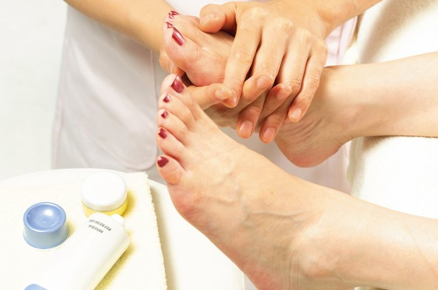How Long Does It Take to Dry Your Toenails After a Pedicure? | LEAFtv