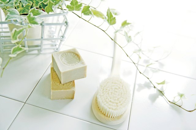 The Advantages of Lux Soap | LEAFtv