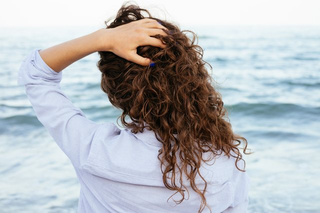 How To Style Curly Hair With No Diffuser Leaftv
