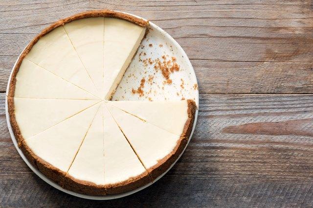 why cheesecake cracks during baking