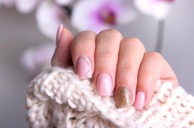 How to make homemade nail polish thinner | LEAFtv