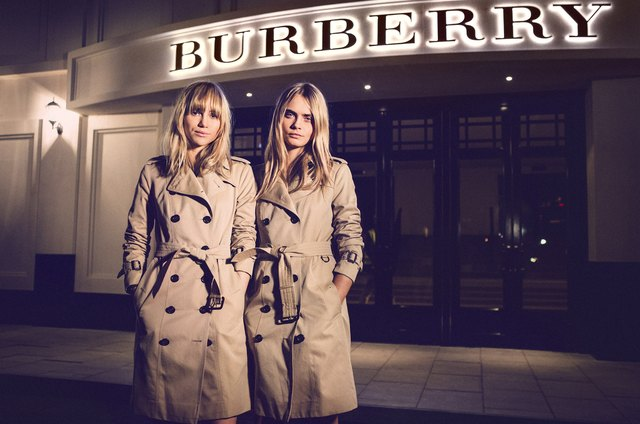 A Burberry coat is one of those classic staples that never goes out of  style. Its luxury craftsmanship means it comes with a high price tag 3f2fa2388873