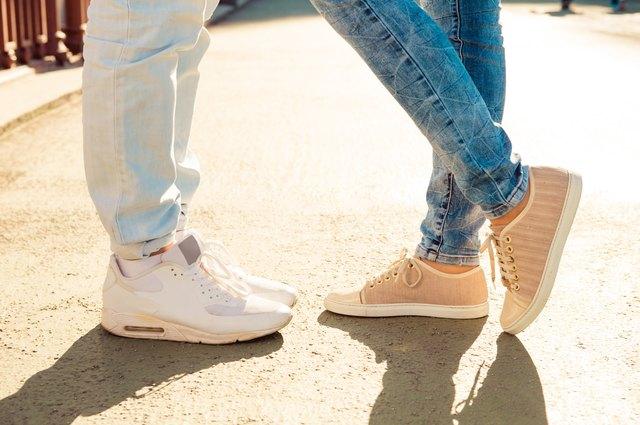 32487ecaeb016 How to Convert Men s to Women s Shoe Sizes