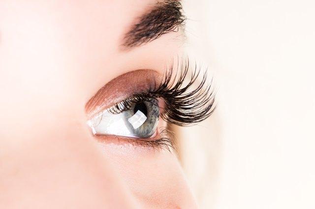 1b64f42dbb5 Aftercare Advice on Eyelash Perming | LEAFtv