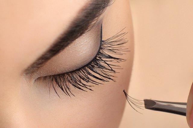 914ffb8eb95 Can False Eyelashes Damage Natural Lashes? | LEAFtv