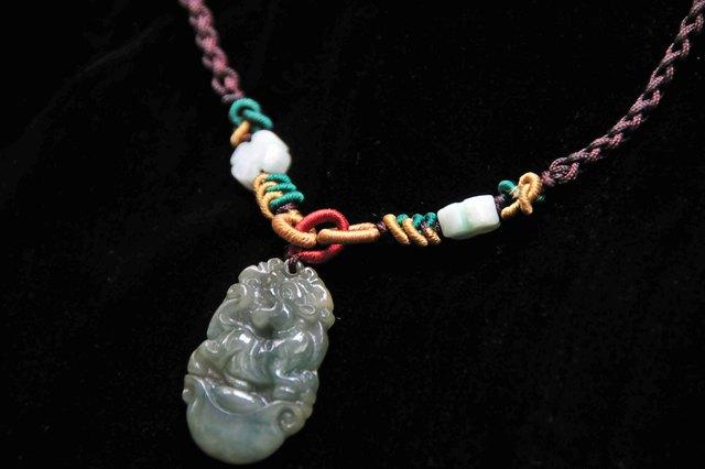 Symbolism and Significance of a Jade Bracelet | LEAFtv