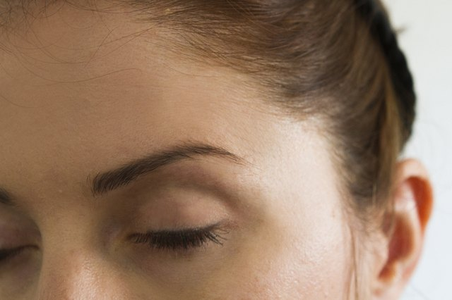 How to Dye Your Eyebrows With Hair Dye | LEAFtv