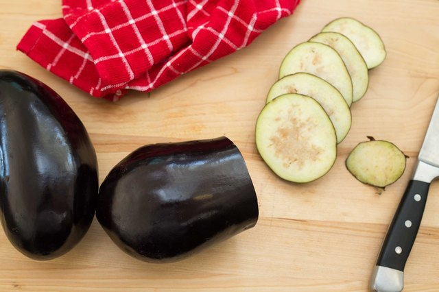 How to Dehydrate an Eggplant | LEAFtv