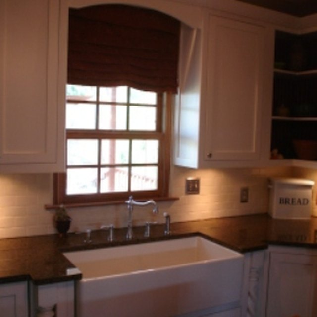 How To Make A Wood Valance For Kitchen Cabinets