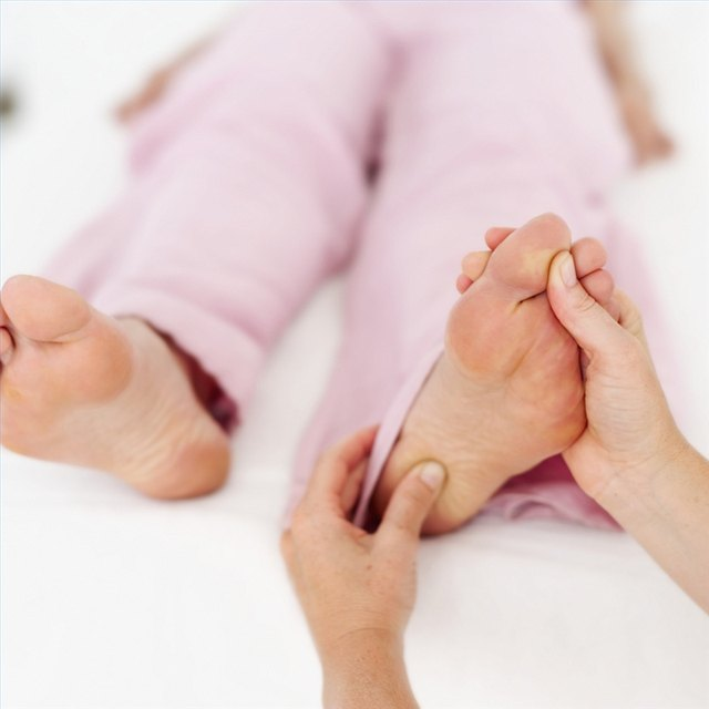 How to Locate the Reflexology Colon Zone   LEAFtv