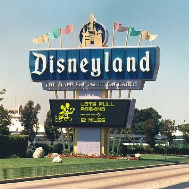 How to get a ticket to Disneyland or Disney World for FREE (not just on your birthday!)