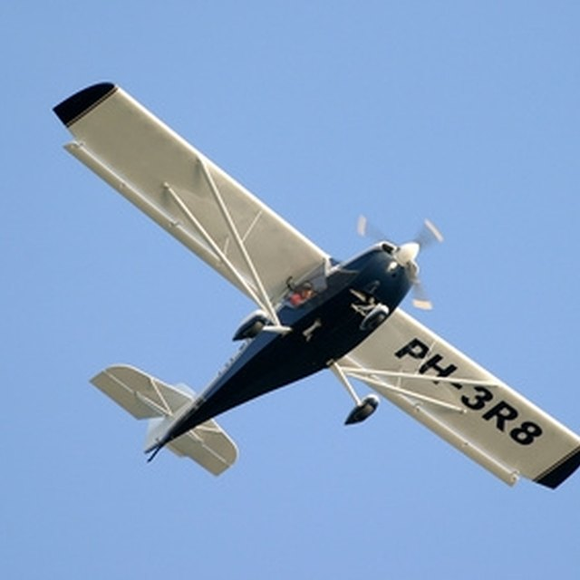 How to Make Styrofoam Airplane Gliders