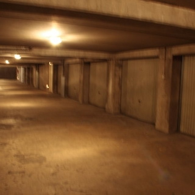 How Does B Dry System Basement Waterproofing Work