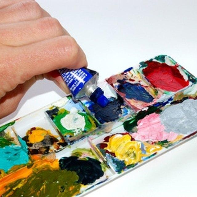 How to Teach Acrylic Art Classes