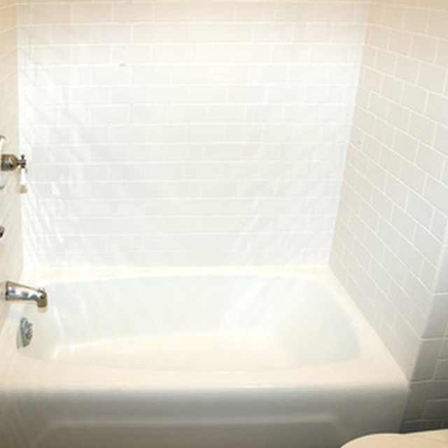 Cheap Ideas for Small Bathroom Makeovers
