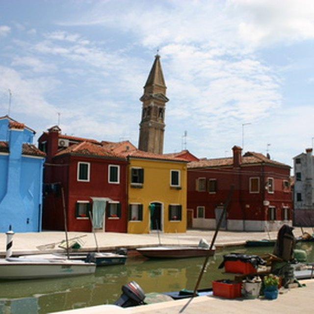 How to Buy Italian Lace From the Island of Burano