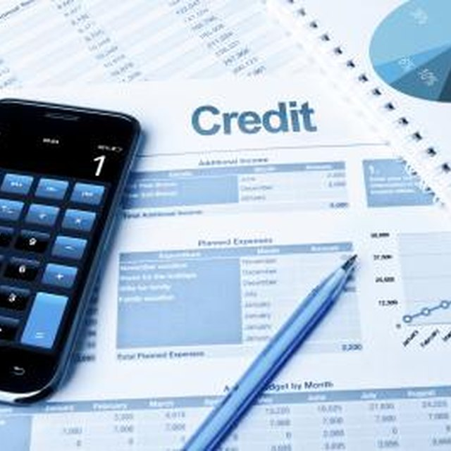 Does a Bill Me Later Balance Show on a Credit Report?