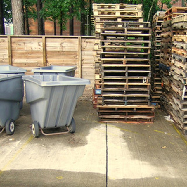 The Advantages of Using Pallets for Shipments