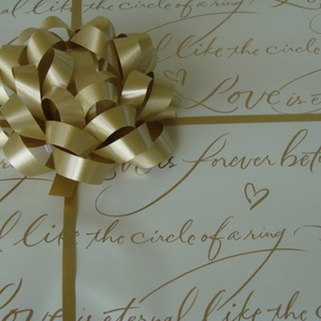 Etiquette Rules For Wedding Gifts: Wedding Gifts For An Older Couple