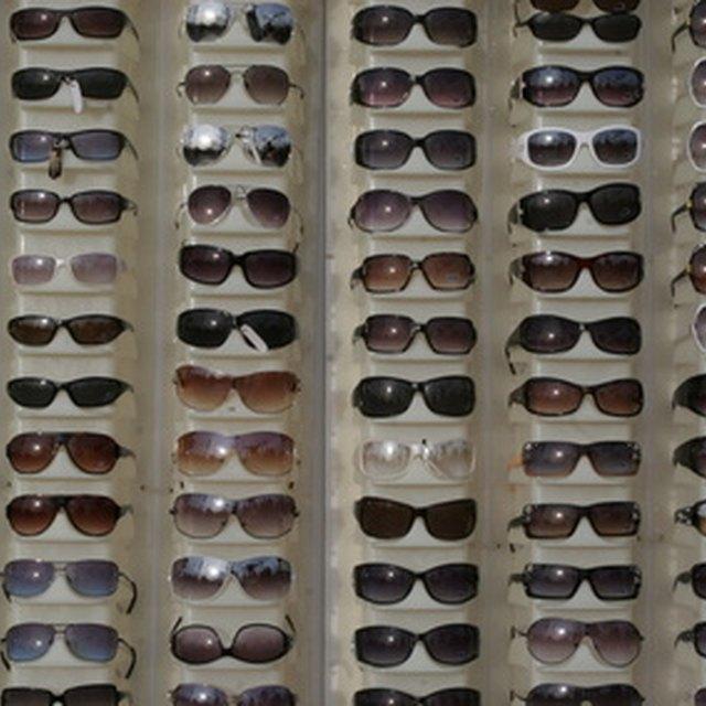 6de0b0c864 How to Distinguish Fake   Real Versace Sunglasses