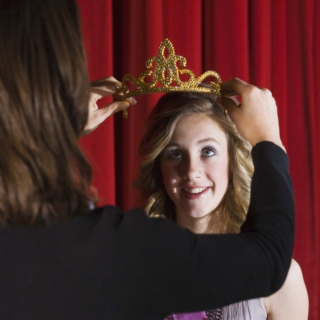What Is the Role & Responsibility of a Title Holder of a Pageant?
