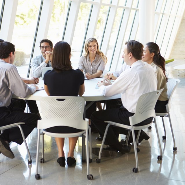 How to Conduct a Meeting Using Robert's Rules of Order