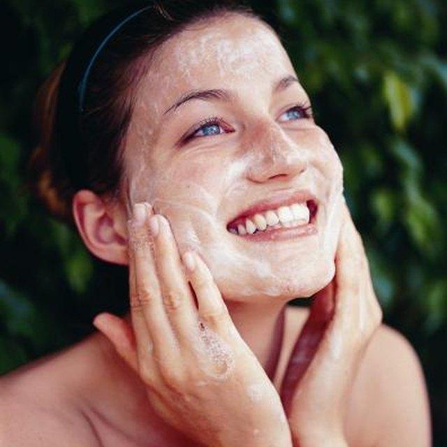 Homemade Tumeric Facial Scrub