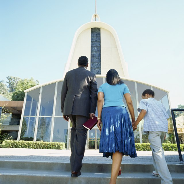 The Proper Etiquette for Church Ushers