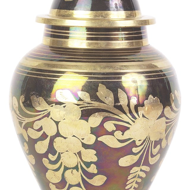 What to Do With Your Cremation Urn