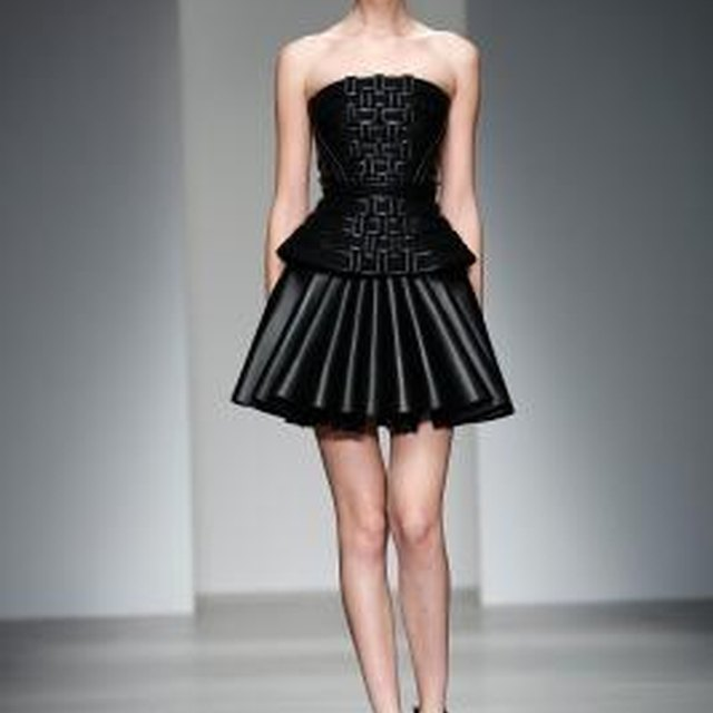 The Best Skirt Styles for an Apple Shape